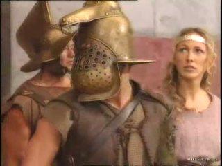 Rita faltoyano مع ل gladiator pt2