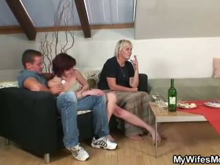 moden, moms og boys, eldre damer, sex hungry moms