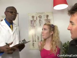 Nikki blue gets a чорна хуй як hubby watches