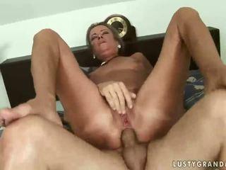hardcore sex, plezier oud mov, grootmoeder scène