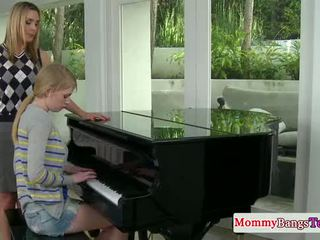 Musical мама обмінюється сперма з stepteen