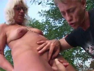 Perempuan tua di luar seks