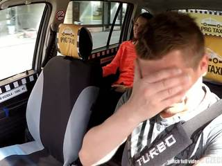 Cutest najstnice gets a brezplačno taxi vožnja, brezplačno porno 80