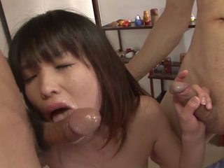 Horny Brunette Has Warm Cum Oozing from Her Twat: Porn 7c