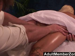 Adultmemberzone - kuum beib emma mae receives a väga kena