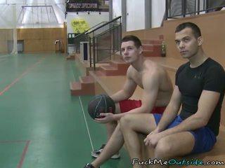Baloncesto playa engañada en follando un agent