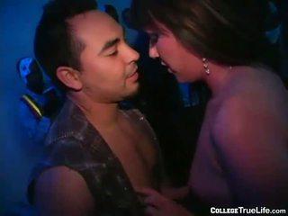 100 hotties bij party