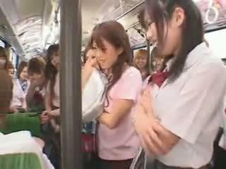 Skolniece autobuss fuckfest cenzors