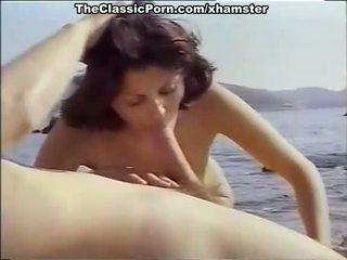 Klassikaline porno jaoks seksikas tüdruk edasi the seashore