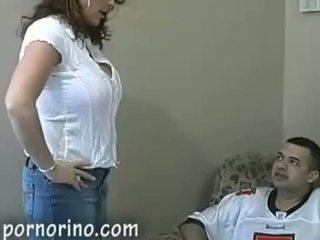 Nóng mẹ tôi đã muốn fuck mẹ sự nịnh hót và stroking con trai vì cum