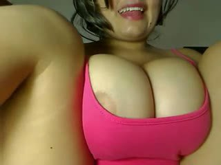 Cute Latina with Huge Milky Tits - mortcams
