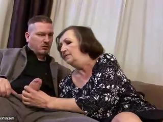 Hodoh gemuk nenek gets fucked keras