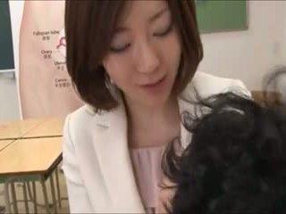 जापानी, समूह सेक्स, मां