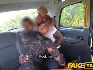 Fake taxi seksuālā krūtainas tattooed mammīte stripper wants bbc