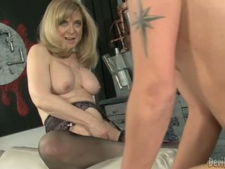 Nina hartley bounces उसकी moist p.