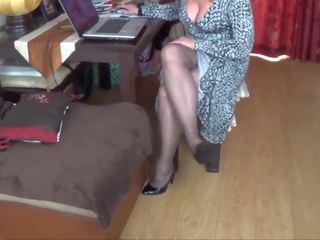 Joanne kājas: bezmaksas pašdarināts hd porno video f0