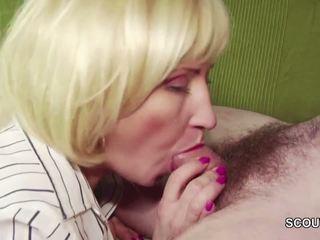 18yr 老 德语 男孩 勾引 step-mom masturbation 和 他妈的