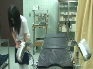 Diáklány becsapva által gynecologist