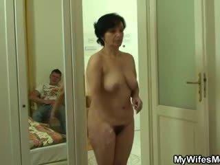 Son-in-law drills jej stary włochate krocze
