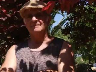 Oud man neuken een roodharige greedy nymfomane