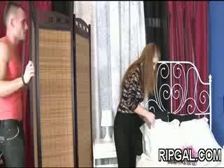Bigtit فتاة مارس الجنس في مهبل