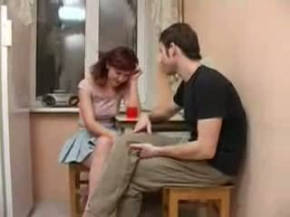 Friends 醉 sister seduced 和 性交 視頻