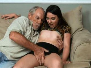 Amy faye - я did a дуже старий людина і тато майже спіймана нам