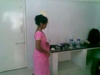 Eu 5 indiana gira e tímida newly casada