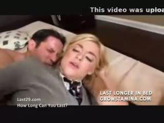 Privāti skolniece fucks viņai driver