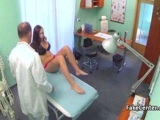 Slet amateur geneukt na dokter onderzoek