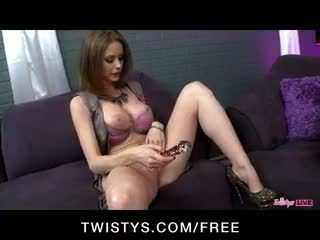 Twistys dzīvot izstāde ar tori melnas, jessie rogers & emily addison