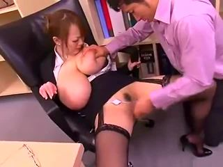 Illa kontors lady med stor tuttarna hitomi tanaka