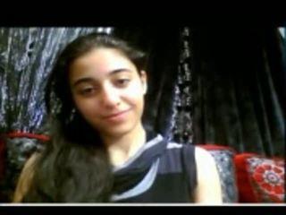 น่ารักน่าหยิก อินเดีย วัยรุ่น shows เธอ ถุงน่องรัดๆ หี บน เว็บแคม