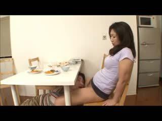 日本語 步 媽媽 同 無 內褲