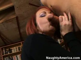 Seksuālā hawt puma kylie ireland receives viņai throat apvainotas līdz a destructive dzimumloceklis