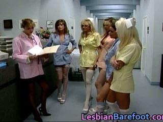 Pievilcīgas lesbiete laizīšana