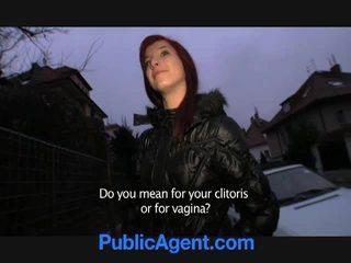 Çeke flokëkuqe goes shtëpi me the publike agent