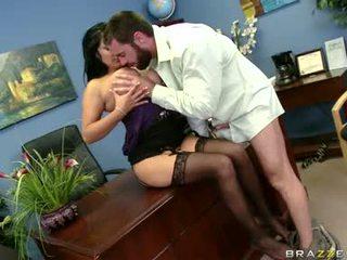Sexually excited sophia lomeli gets उसकी मुंह busy engulfing एक कठिन आदमी लॉलिपोप