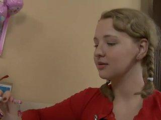 Kåta tonårs körd av henne läraren