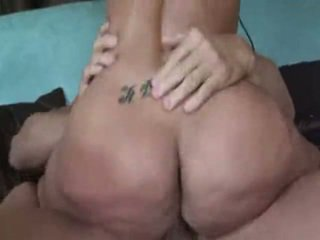 Kelly Divine-T and A