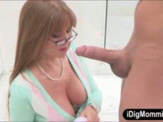 Busty stepmom darla crane hậu môn fucked lược với thiếu niên cặp vợ chồng