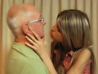 barna, vékony, csókolózás