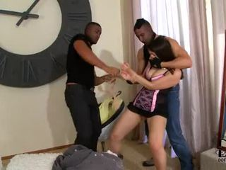 Valentina nappi gets double penetrated 由 two 角质 burglars