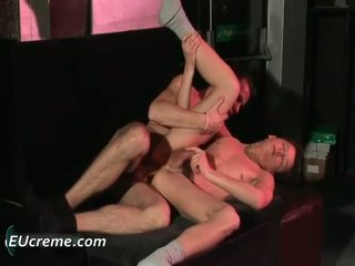 Homo tweelingen seks en pummeling nauw asses