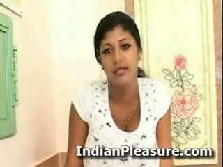 Desi দৈত্য bust