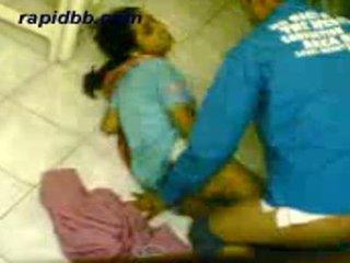 Гаряча northindian дівчина трахання її bf в додому