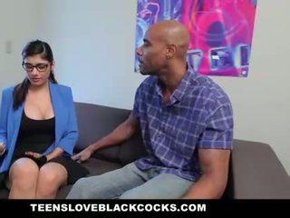 Mia khalifa fucks grande negra caralho