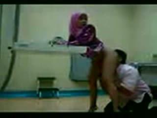 Arab hijab körd vid henne gynecologist video-