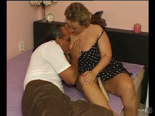 Une sexy potelée dame loves sexe