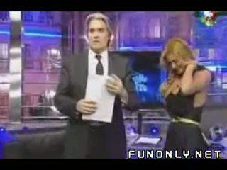 Teta slip en argentina tv